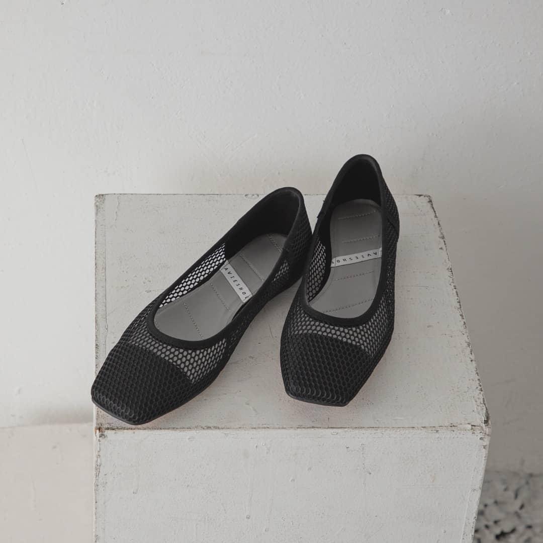 ▷mesh flat shoes¥5,900+taxblack/beige/greensize:S/M/Lメッシュが今年らしいデザイン。フラットで歩きやすい。スクエアトゥで大人見えします。#kariandlili#kari#カウリアンドリィリィ#カウリ#韓国雑貨#韓国ファッション#フラットシューズ#メッシュ#メッシュアイテム