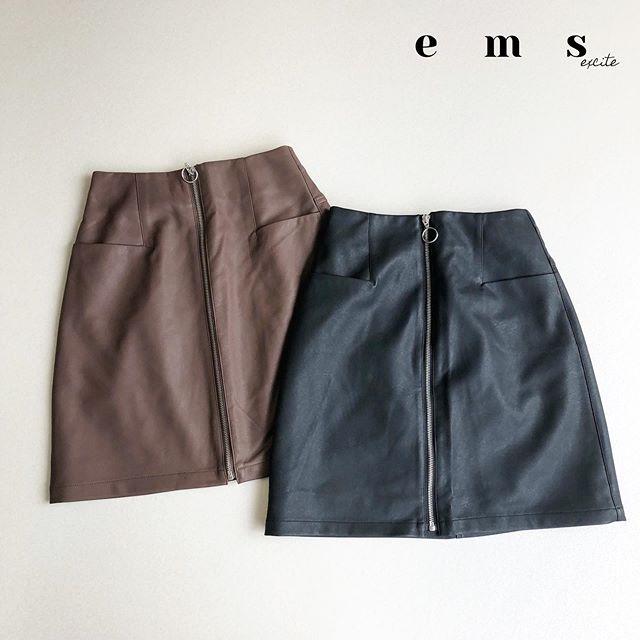 ガーリーにちょっとだけ辛口スカートが上級者🖤------------------------------------🏷 EF980031C0003リングジップレザー台形スカート¥2,300+tax@emsexciteをタグ付けでコーデや購入品を見せてね※タグ付けしてくれるとお知らせが来るので見つけやすいです^ ^いつも楽しみにしています#emsexcite #エムズエキサイト#ems #エムズ #emsexcite好きと繋がりたい #お洒落さんと繋がりたい #プチプラ #プチプラコーデ #おしゃれさんと繋がりたい #スタイリスト  #雑誌 #モデル #撮影 #可愛い #ピンク #大人ガーリー #大人カジュアル #着まわしコーデ #レース #フリル #秋コーデ #ニット #autumn #ファッション #fashion
