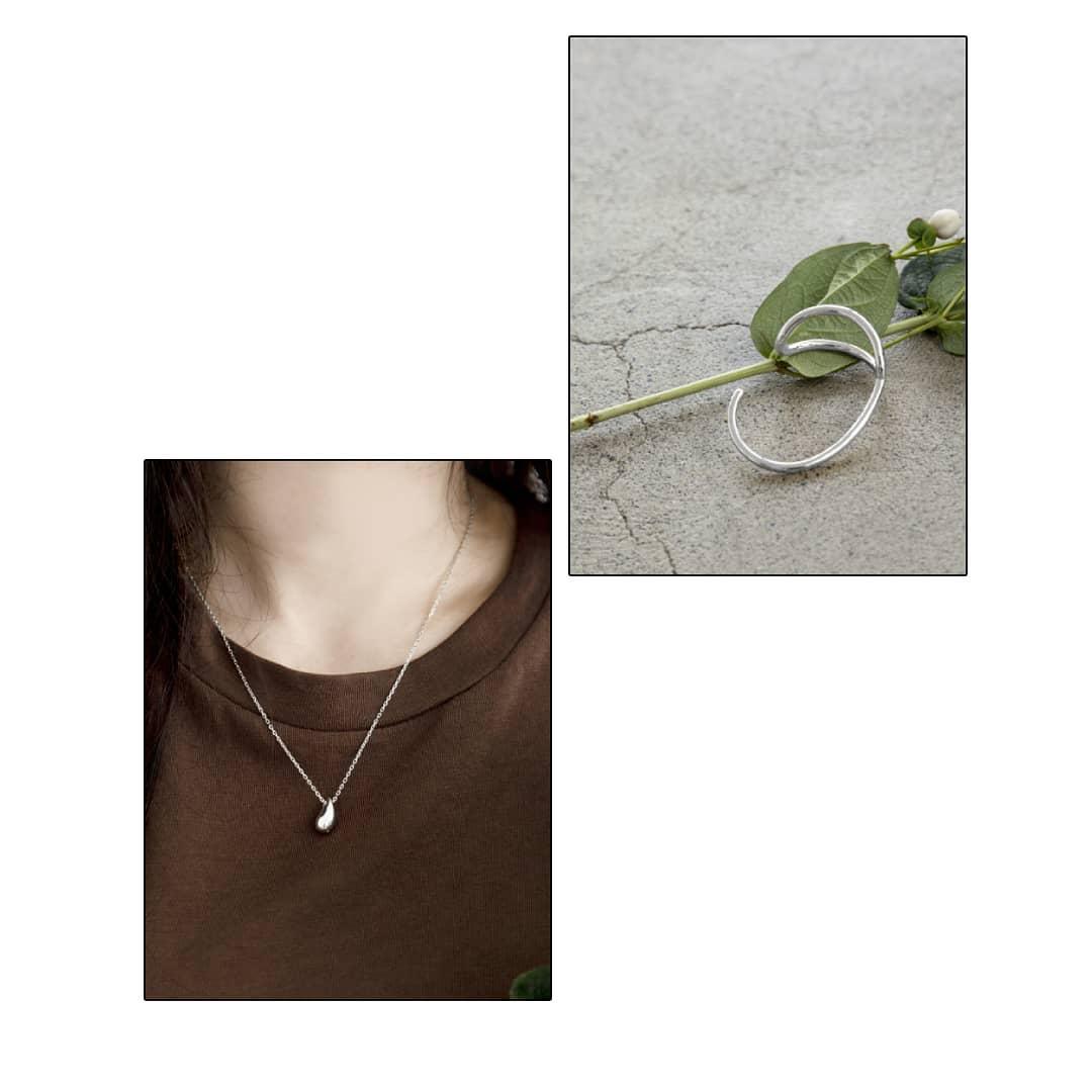 nuance bracelet¥3,500+taxsilver/gold ニュアンスラインのブレスレット。これからの時期はニットの上からつけて頂いても素敵です。S925 drop necklace¥4,500+taxsilver onlyシルバー925ドロップモチーフの大人可愛いシンプルデザイン。シーンを選ばずお使いいただけます。#kariandlili#kari#カウリ#アウリアンドリィリィ#韓国雑貨#韓国アクセ#韓国ファッション#ブレスレット#シルバーアクセ#ゴールドアクセ#アクセサリー#高見え#大人アクセサリー#シルバー925#silver925