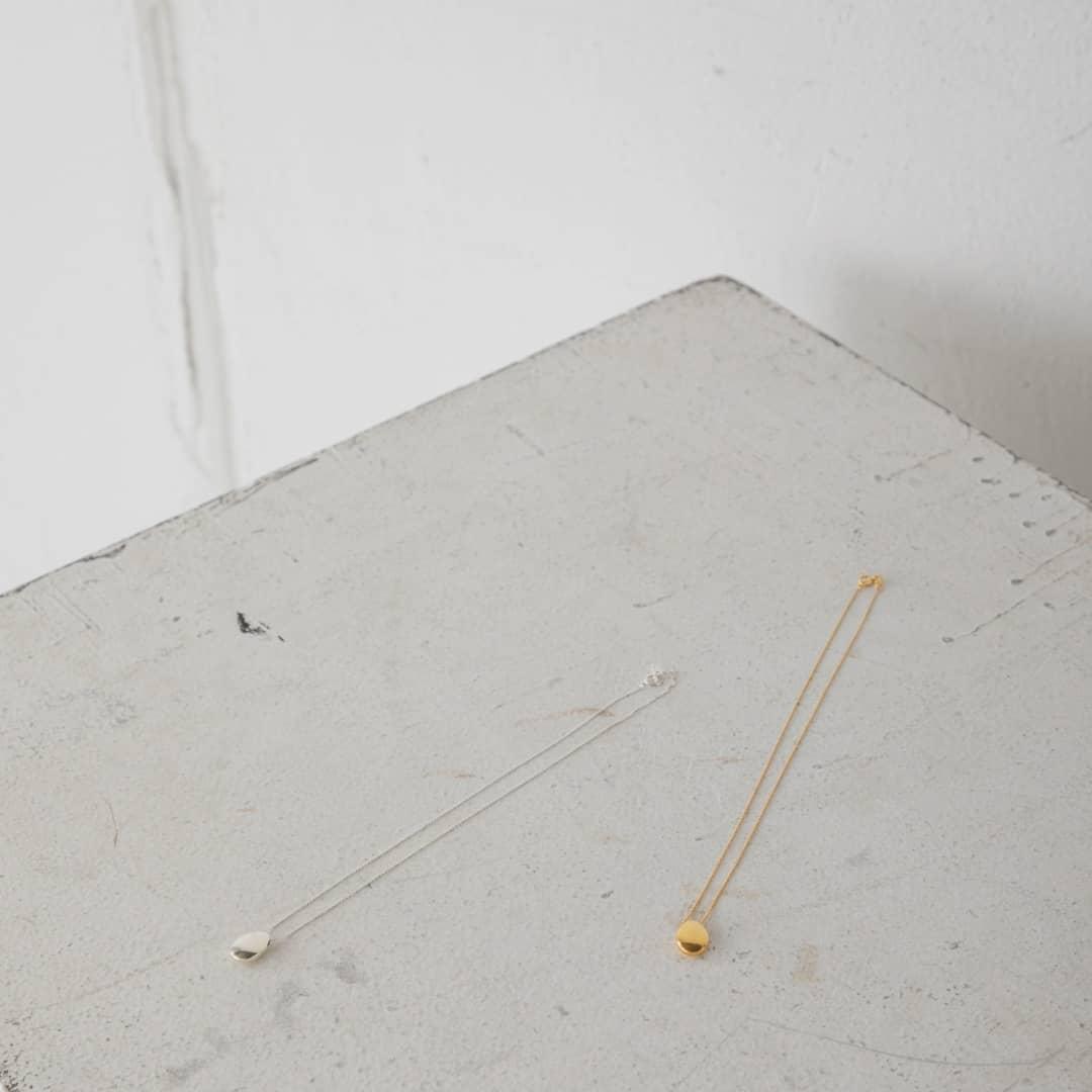 ▷S925 stone necklace¥5,800+taxgold/silverストーン型のシンプルなネックレス。デイリーに活躍します。シルバー925。#kariandlili#kari#カウリアンドリィリィカウリ#韓国雑貨#韓国アクセ#韓国アクセサリー#シルバー925#silver925#シルバーアクセサリー#ゴールドアクセサリー#大人アクセサリー#高見えアクセ#ネックレス
