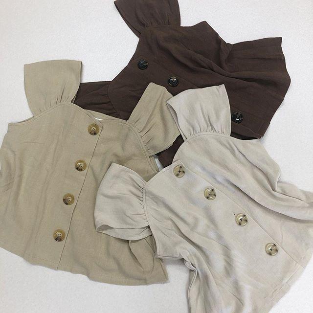 .【new arrival】.今から使える晩夏アイテム.🏷RE980023B011麻レーヨンビスチェBL▷¥1,900+tax(店舗入荷中).∥color∥ beige / ivory / brown..#retrogirl#newarrival#fashion#autumn#blouse#レトロガール#カジュアル#カジュアルアイテム#プチプラ#プチプラアイテム#プチプラファッション#プチプラコーデ#ビスチェ#ビスチェブラウス