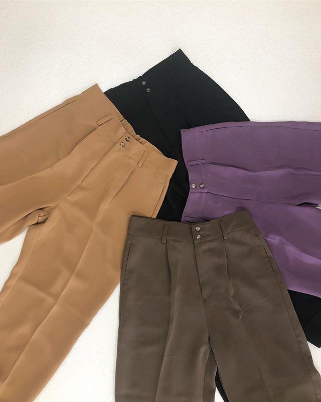 .【new arrival】.今から使える晩夏アイテム.🏷RF980032C000センタープレスWクロスPT▷¥2,900+tax(今日.明日店舗入荷).∥color∥ camel / brown / purple / black..#retrogirl#newarrival#fashion#autumn#bag#レトロガール#カジュアル#カジュアルアイテム#プチプラ#プチプラアイテム#プチプラファッション#プチプラコーデ#センタープレスパンツ