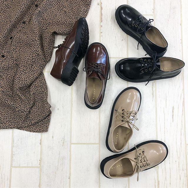 .【new arrival】..🏷RF951242C001ラバーソールマニッシュ▷¥2,900+tax(店舗入荷中).∥color∥ beige / brown / black..#retrogirl#newarrival#fashion#autumn#shoes#レトロガール#カジュアル#カジュアルアイテム#プチプラ#プチプラアイテム#プチプラファッション#プチプラコーデ#マニッシュシューズ#ラバーソール