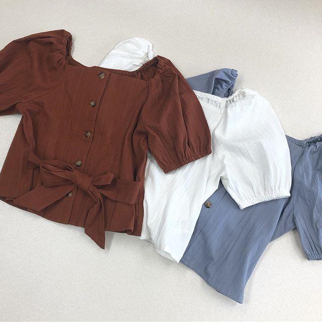 .【new arrival】.🏷RF937523C001ウエストリボンドビーBL▷¥2,500+tax(店舗入荷中).∥color∥brown / white / blue..#retrogirl#newarrival#fashion#summer#blouse#レトロガール#カジュアル#カジュアルアイテム#プチプラ#プチプラアイテム#プチプラファッション#プチプラコーデ#ブラウス#リボンブラウス