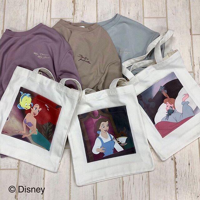 .【Disney Princess item】.🏷RF952443C000〈Disney Princess〉トート▷¥1,900+tax.Ariel / Belle / Cinderella..本日.明日店舗に入荷致します地域により商品店着日が異なりますのでお問い合わせは各店舗にお願い致します.販売店舗は2枚目をご確認下さいませ.※オンラインでの販売開始は来週末となっております販売開始されましたらストーリーでお知らせ致します..#retrogirl #retrogirl_official #casita_official#Disney #Ariel #Belle #Cinderella#Disney_princess#アリエル #ベル #シンデレラ #ディズニー