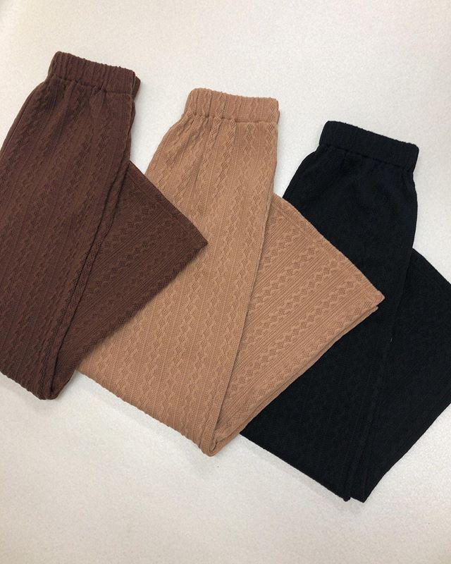 .【new arrival】.🏷RF9P0132C003 カットNTケーブルPT▷¥2,500+tax(店舗入荷中).∥color∥brown / beige / black.モデル:157cm.#retrogirl#newarrival#fashion#Autumn#knitpants#レトロガール#カジュアル#カジュアルアイテム#プチプラ#プチプラアイテム#プチプラファッション#プチプラコーデ#ニットパンツ#ニットアイテム#ケーブルニットパンツ