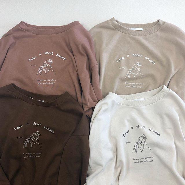 .【new arrival】.🏷RF956011C001 girlプリントタックトレーナー▷¥1,900+tax(店舗入荷中).∥color∥pink / ivory / brown / beige..#retrogirl#newarrival#fashion#Autumn#trainer#レトロガール#カジュアル#カジュアルアイテム#プチプラ#プチプラアイテム#プチプラファッション#プチプラコーデ#トレーナー#プリントトレーナー#ガールプリントトレーナー