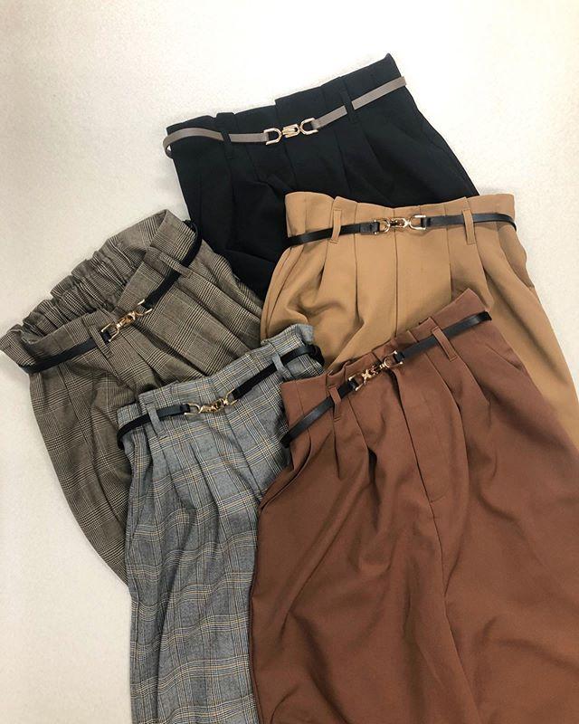 .【new arrival】.🏷RF980032C003 ビットベルト付PT▷¥2,300+tax(店舗入荷中).∥color∥beige / brown / black / check(brown.gray).モデル:157cm..#retrogirl#newarrival#fashion#Autumn#widepants#レトロガール#カジュアル#カジュアルアイテム#プチプラ#プチプラアイテム#プチプラファッション#プチプラコーデ#ベルト付きパンツ#ワイドパンツ