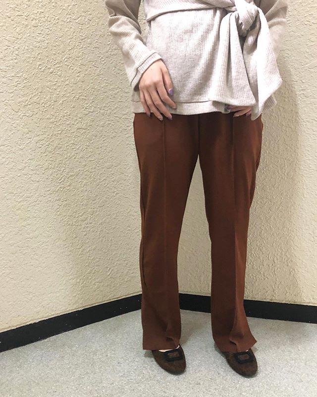 .【new arrival】.🏷RW9P0132C000 セミフレアPT▷¥2,300+tax(店舗入荷中).∥color∥brown / black / ivory / green.モデル:157cm..TGC北九州2019にてIZ*ONEのキム・ミンジュさん着用のパンツになります..#retrogirl#newarrival#fashion#Autumn#flarepants#レトロガール#カジュアル#カジュアルアイテム#プチプラ#プチプラアイテム#プチプラファッション#プチプラコーデ#フレアパンツ#セミフレアパンツ