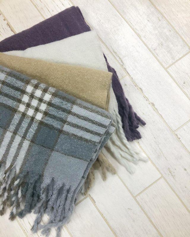 .【new arrival】.?RW953846D000 太フリンジマフラー▷¥2,500+tax(店舗入荷中).∥color∥check / beige / white / purple..#retrogirl#newarrival#fashion#winter#muffler#レトロガール#カジュアル#カジュアルアイテム#プチプラ#プチプラアイテム#プチプラファッション#プチプラコーデ#マフラー#フリンジマフラー