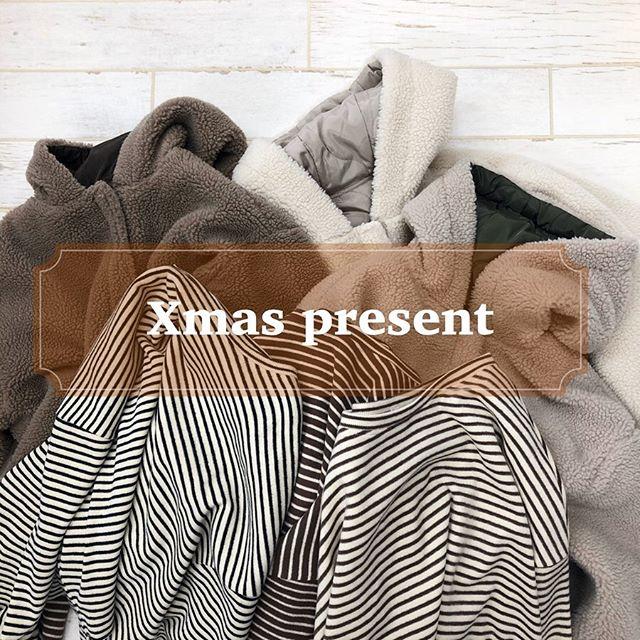 .【クリスマスプレゼント企画】..日頃の感謝の気持ちを込めまして・フーディーボアリバーBZ・起毛BigボーダーTeeこちらの人気2アイテムをセットでプレゼント致します商品に関しましては過去の投稿をご覧下さい(※セットのカラーは変更出来ません).【応募方法】・こちらのRETRO GIRL公式Instagramをフォローして下さっている方・自身のInstagramに @retrogirl_official をタグ付けして投稿して下さっている方(期間中の投稿でもOKです)・コメント欄に欲しいセットの番号(①〜③)をコメントして下さい・期間は本日12/17(火)〜12/19(木)まで.当選者の方にはこちらの公式Instagramから後日DM️をお送り致します.沢山のご応募お待ちしております️?..#retrogirl #レトロガール #プレゼント企画