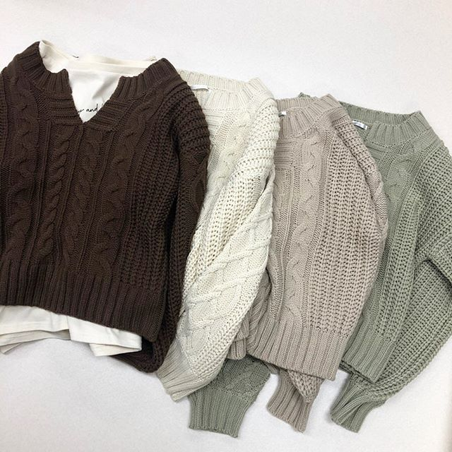 .【new arrival】.🏷RW937512D001 スキッパーケーブルニット▷¥2,900+tax(店舗入荷中).∥color∥brown / ivory / beige / green..#retrogirl#newarrival#fashion#winter#knit#レトロガール#カジュアル#カジュアルアイテム#プチプラ#プチプラアイテム#プチプラファッション#プチプラコーデ#ケーブルニット#スキッパーケーブルニット#ニットコーデ