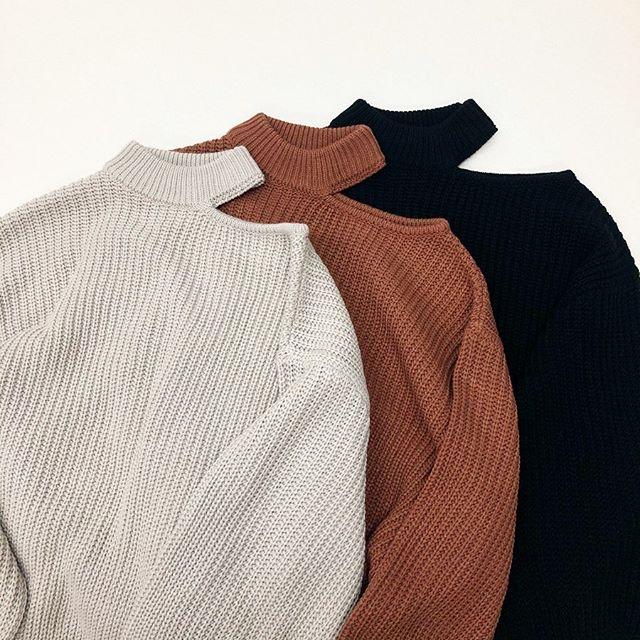 .【new arrival】.🏷RW980012D010 カタアキBigニット▷¥3,500+tax(店舗入荷中).∥color∥beige / red / black..#retrogirl#newarrival#fashion#winter#knit#レトロガール#カジュアル#カジュアルアイテム#プチプラ#プチプラアイテム#プチプラファッション#プチプラコーデ#肩あきニット#肩あきトップス#ニットコーデ