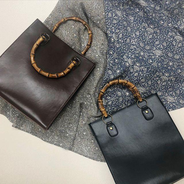 .【new arrival】.🏷RP0S0143D000 バンブーハンドルBAG▷¥3,500+tax(店舗入荷中).∥color∥brown / black..#retrogirl#newarrival#fashion#springfashion#bag#レトロガール#カジュアル#カジュアルアイテム#プチプラ#プチプラアイテム#プチプラファッション#プチプラコーデ#バンブーバッグ#ハンドルバッグ
