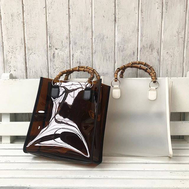 .【new colour】.🏷RP0S0143D000 バンブーハンドルBAG▷¥2,900+tax(店舗入荷中).∥color∥clear brown / clear white..#retrogirl#newarrival#fashion#springfashion#clearbag#レトロガール#カジュアル#カジュアルアイテム#プチプラ#プチプラアイテム#プチプラファッション#プチプラコーデ#バンブーバッグ#クリアバッグ