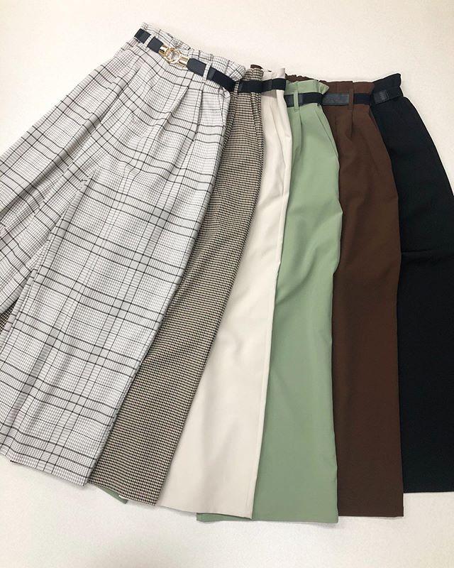.【new arrival】.🏷RP080032D001 ベルト付ワイドPT▷¥2,300+tax(店舗入荷中).∥color∥check(gray) / check(beige)white / green / brown / black.モデル:155cm..#retrogirl#newarrival#fashion#springfashion#pants#レトロガール#カジュアル#カジュアルアイテム#プチプラ#プチプラアイテム#プチプラファッション#プチプラコーデ#ワイドパンツ#柄パンツ#ワイドパンツコーデ