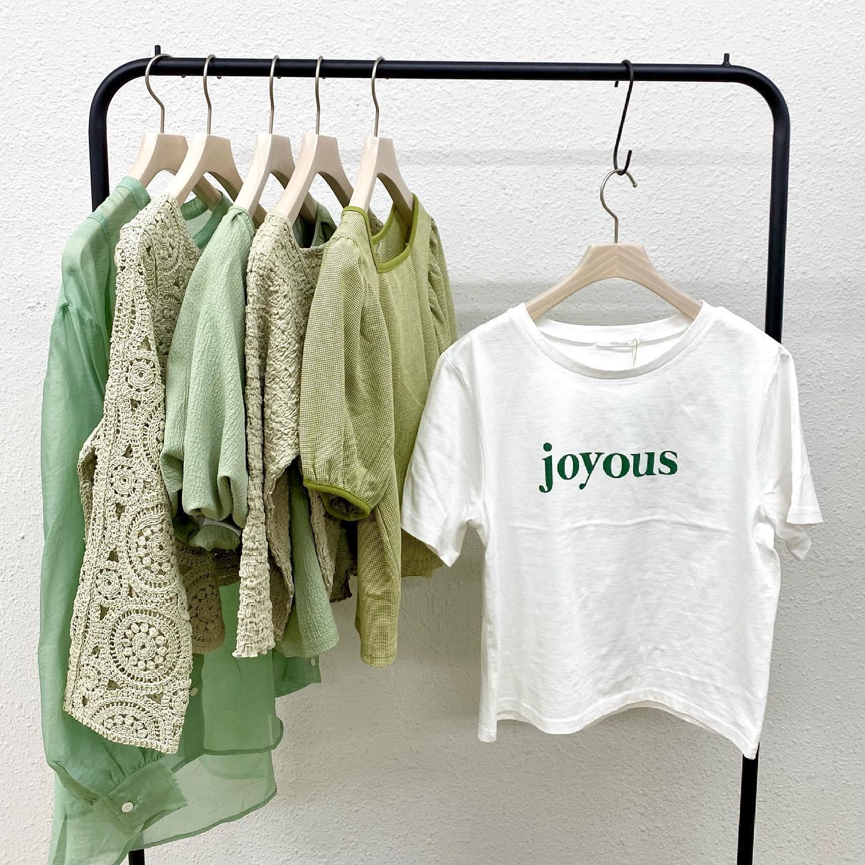 【recommend color】  green #retrogirl_ootd#レトロガール#レトロガールコーデ#トレンドファッション#プチプラコーデ#green #グリーン #ピスタチオ #ロゴt #クロシェカーデ #チェック柄 #パフスリーブ #シアーシャツ #ドロスト #夏カラー #夏コーデ #2021ss